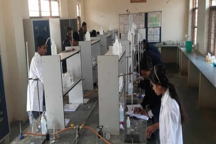 Swami Vivekanand Government Model School-Chemistry Lab