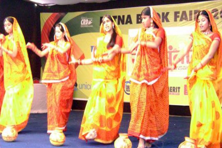 May Flower School-Dance Performance