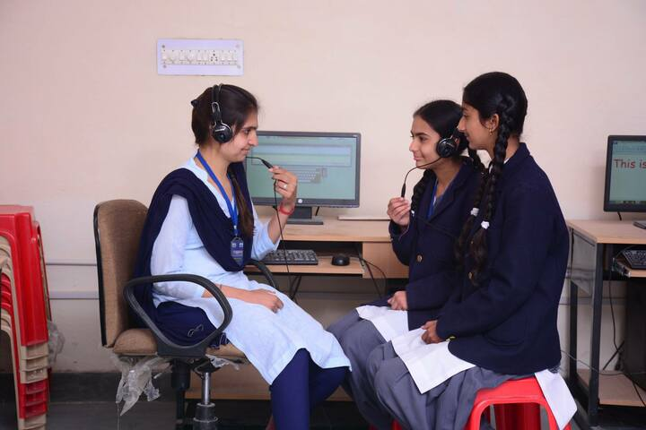 Swami Vivekanand Government Model School-Computer-Lab