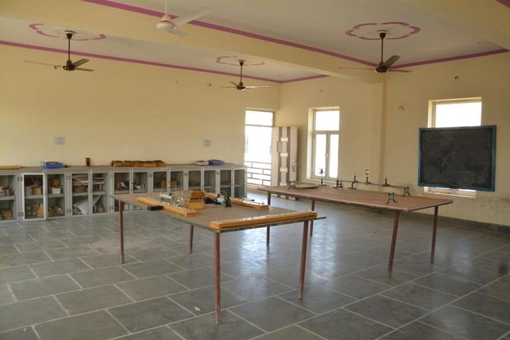 Vyapar Mandal Public School-Physics Lab