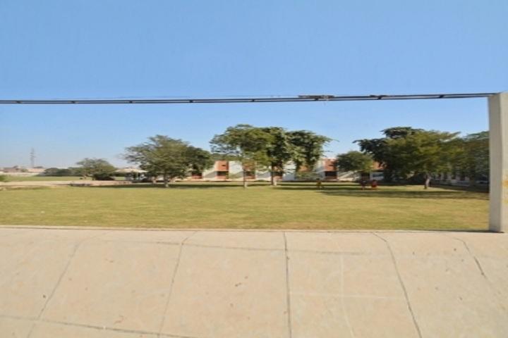 Vyapar Mandal Public School-Play Ground