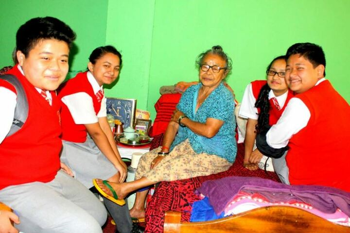 Daffodils Home Secondary School-Old Age home visit