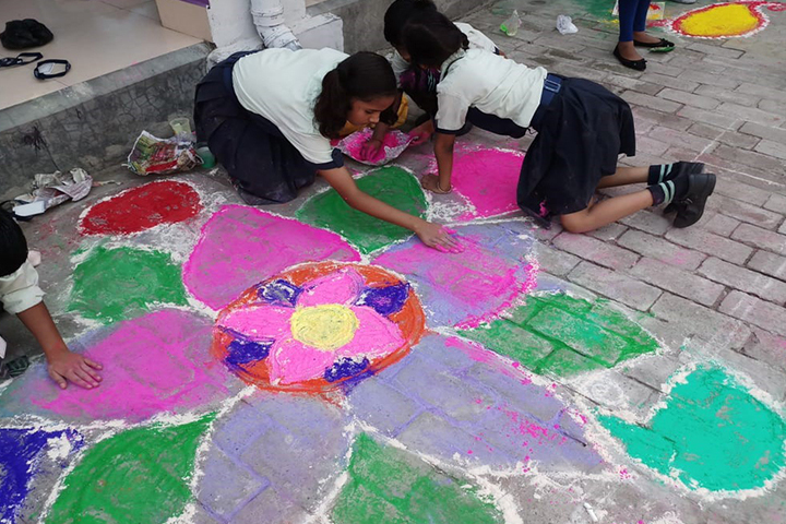 Mount Litera Zee School-Rangoli Competetion