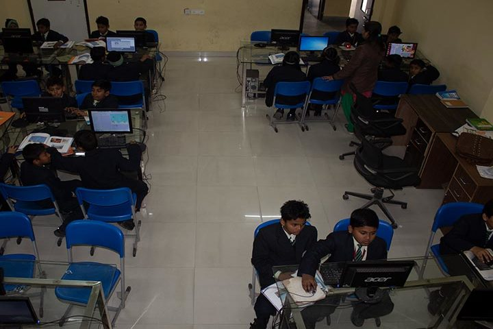 Mount Litera Zee School- Computer Lab