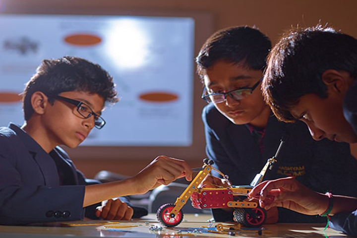 Bhashyam Blooms The Global School-Robotics