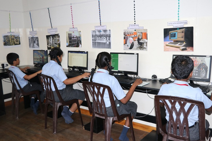 Akg Public School-IT-Lab