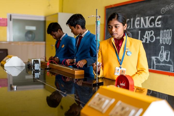 Anugraha Mandhir-Physics-Lab