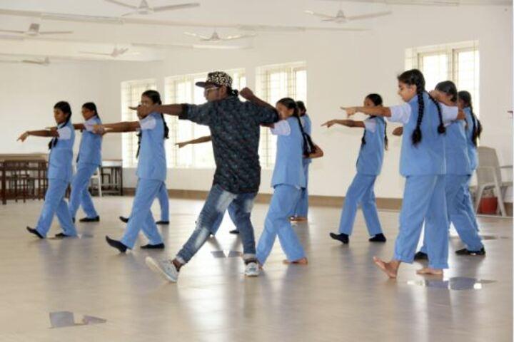 Bannari Amman Public School-Dancing Activity