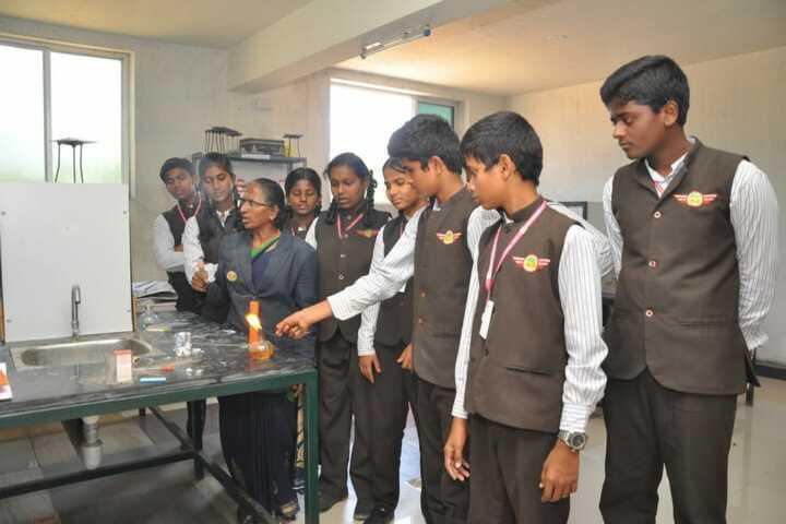 Bharathi Vidhya Bhavan School-Chemsitry Lab