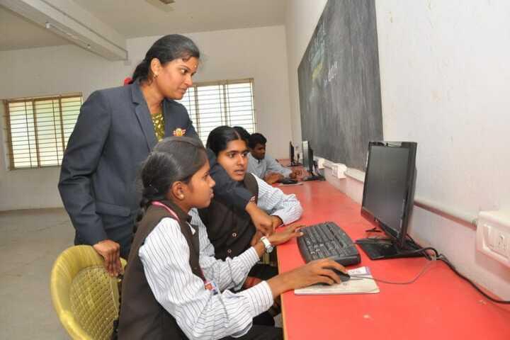 Bharathi Vidhya Bhavan School-Computer Lab