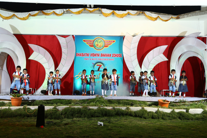 Bharathi Vidhya Bhavan School-Dancing Activity