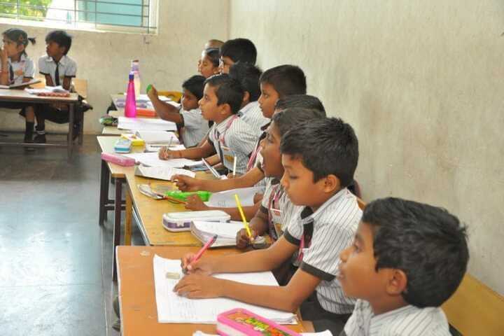 Bharathi Vidhya Bhavan School-Drawing Activity