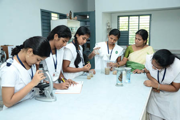 Bharati Vidyalaya Senior Secondary School-Physics Lab