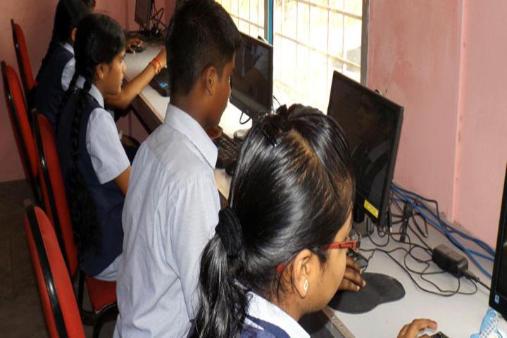 Brammaas Vidhyalaya School-Computer Lab