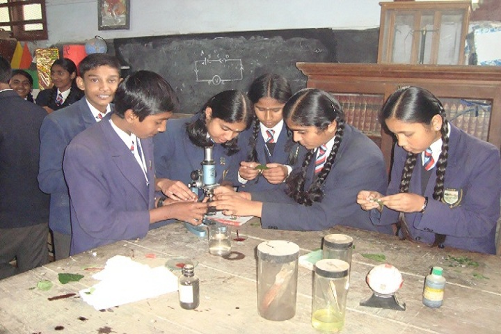 Breeks All India Secondary School-Physics Lab