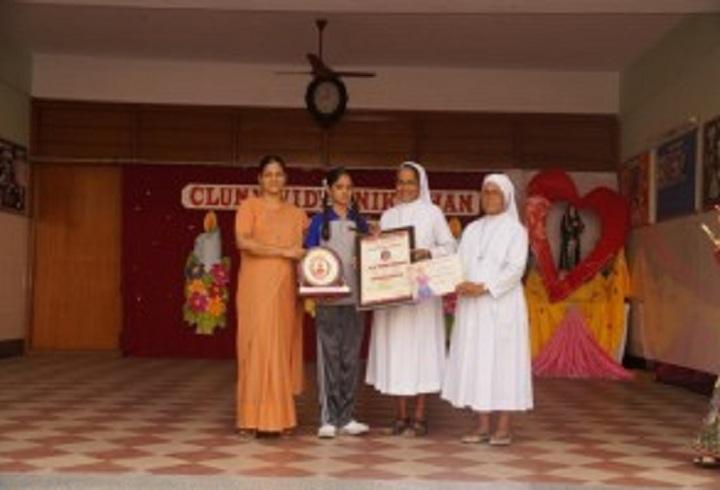 Cluny Vidya Nikethan-Bharatanatyam Prize winner