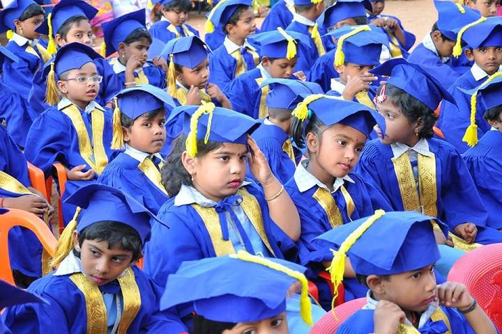 Dindigul Nadar Uravinmurai S M B Manickam Nadar Packiathammal National Public School-Graduation