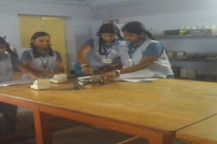 Dr M S U Murthy School Of Excellence-Laboratory