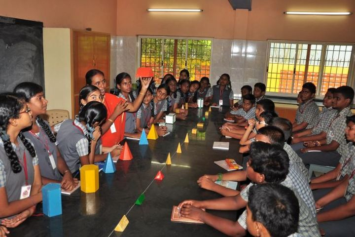 Dr Nalli Kuppuswamy Vivekananda Vidyalaya Junior College-Maths Lab