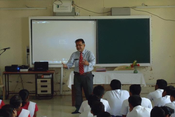 Notre Dame Academy-Digital Classroom