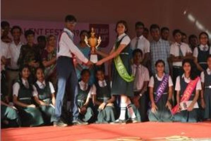 Kamala Niketan Montessori School-Award Receiving