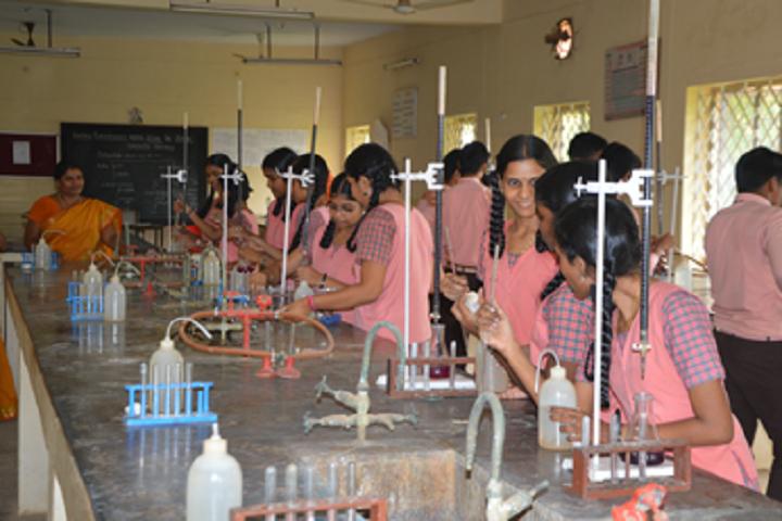 Kamala Subramaniam Secondary School-Chemistry lab