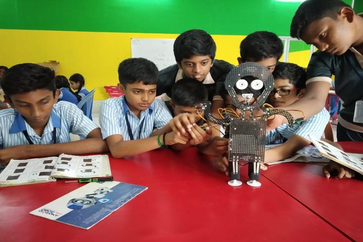 La Chataline Junior College-Robotics LAB