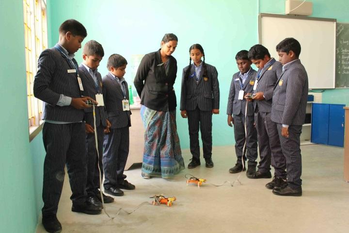LHL CBSE School-Robotics-lab