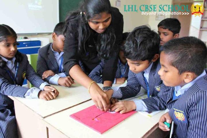 LHL CBSE School-Science lab