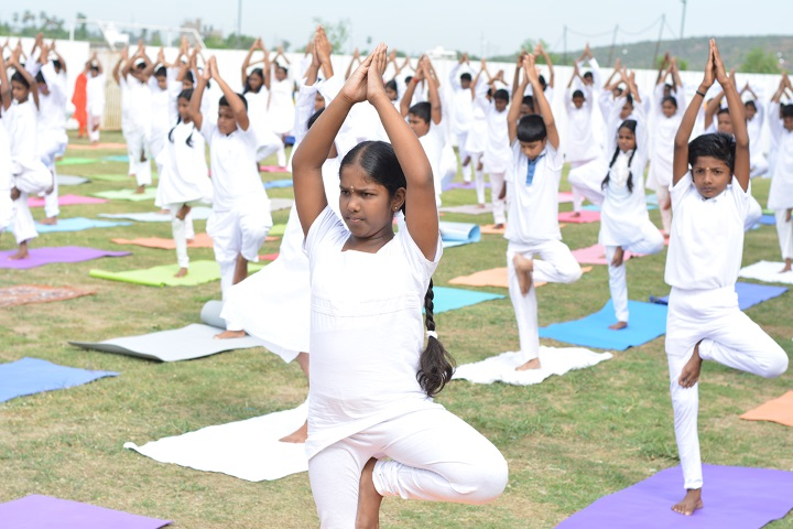 Lightworkers Academy-Yoga Day