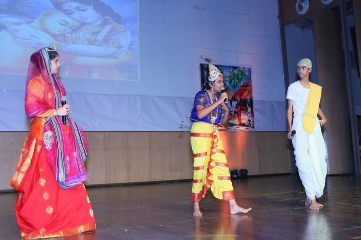 Mahindra World School-Drama
