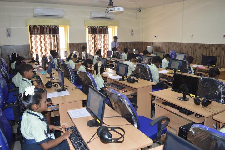 Mount Litera Zee School-IT Lab