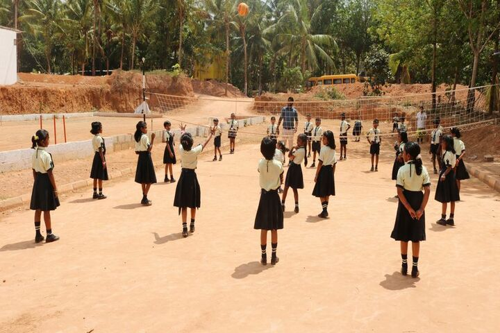Mount Litera Zee School-Throw Ball