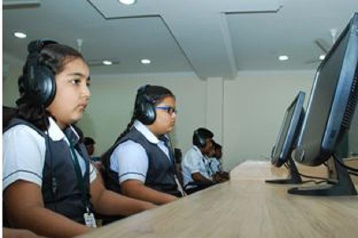 Nandha Central City School-English Lab