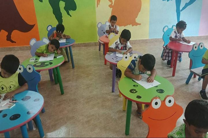 Nava Bharath International School-Drawing Activity