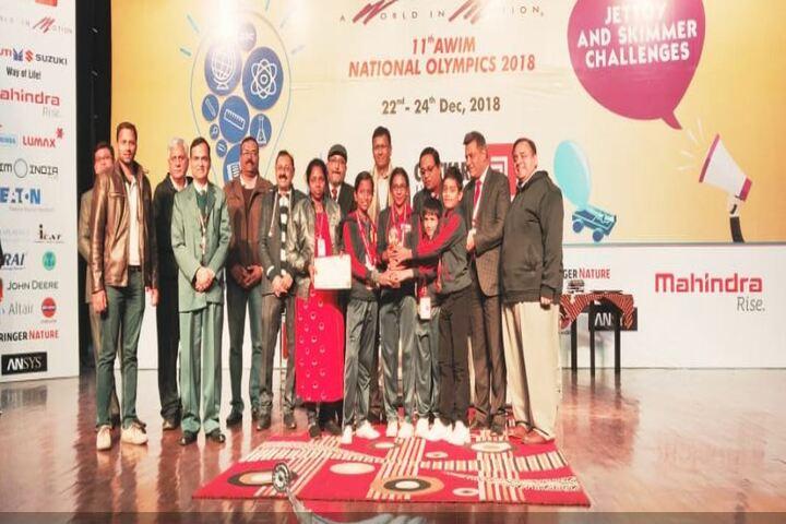 P S Temple Green Vidyashram-Award Receiving