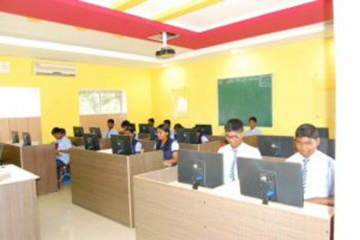 Pannai Public School-Computer Lab