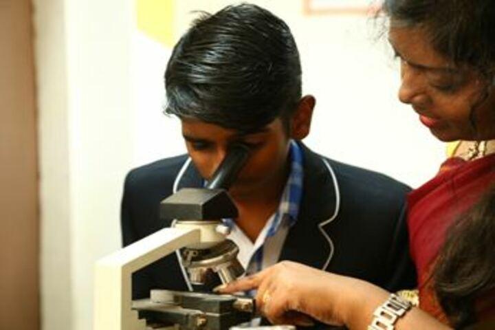 Parvathys Anugrahaa International School-Biology Lab