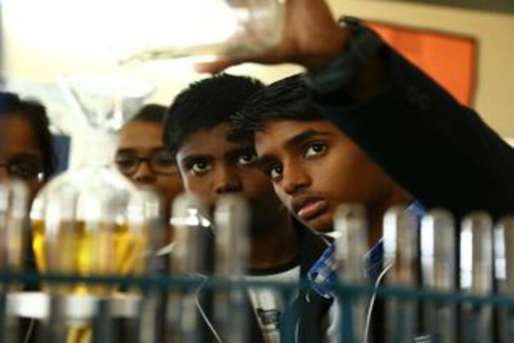 Parvathys Anugrahaa International School-Chemistry Lab