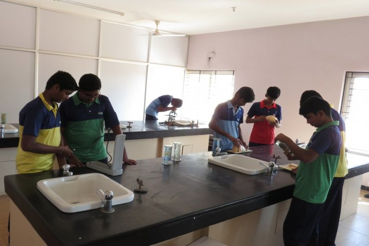 Pem School Of Excellence-Biology Lab