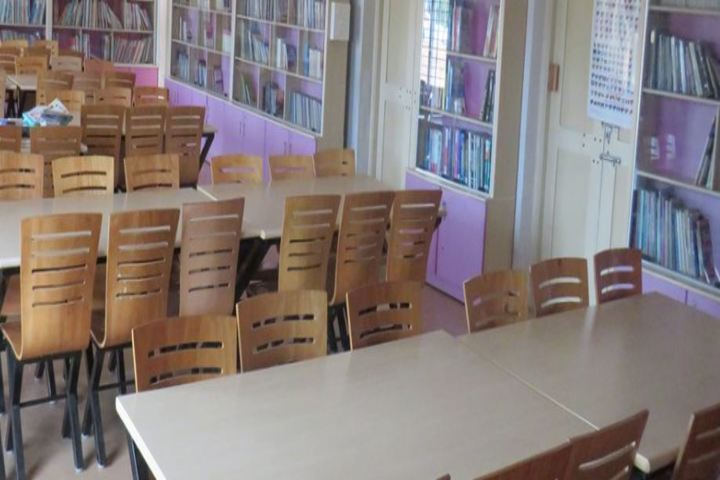 Pem School Of Excellence-Library