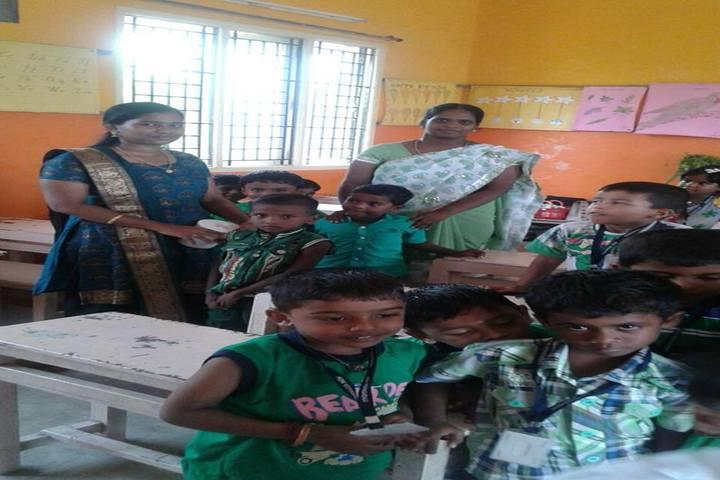 Pon Vidyashram-Classroom