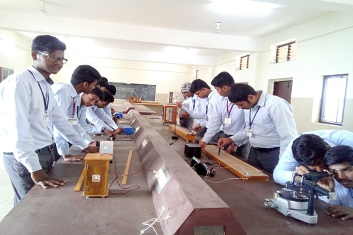 Ponnaiyah Ramajayam Public School-Physics Lab