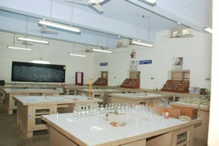 R S Krishnan Higher Secondary School - Chemistry Lab