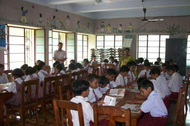 Prabhat Tara School-Library