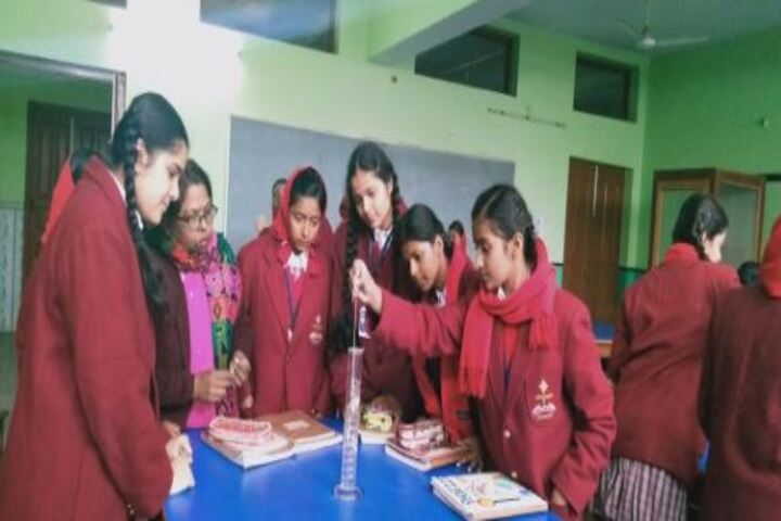 Prabhat Tara School-Physics Lab