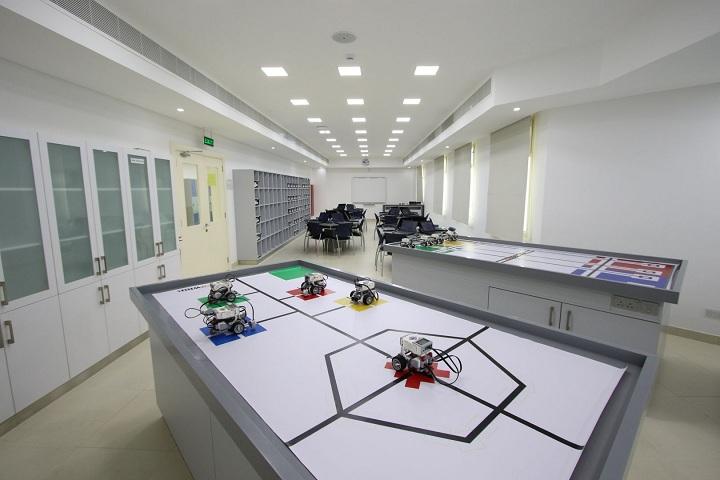 S K P Vanitha International School-Robotics-Laboratory