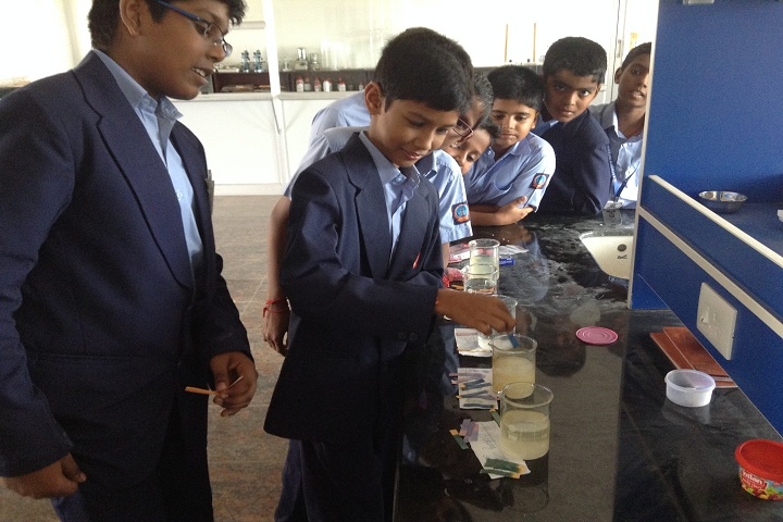 Sathyam International School-Science Lab
