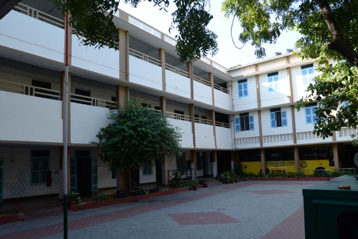 Shakti Vinayakar Hindu Vidyalaya S S-School-Building