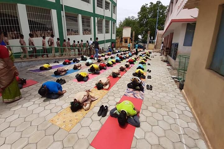 Shiva Niketan School-Yoga